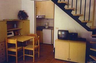 Essplatz und Küche im Untergeschoss