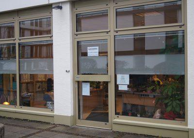 Zu verkaufen: Vielseitig nutzbare Gewerbe-Ladeneinheit im Erdgeschoß in München-Obersendling // SG-229