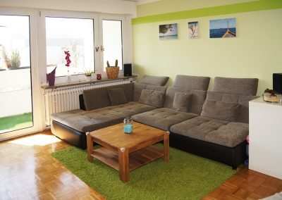 Gut geschnittene, renovierte 3 Zimmer Wohnung im grünen Moosach // SG-233